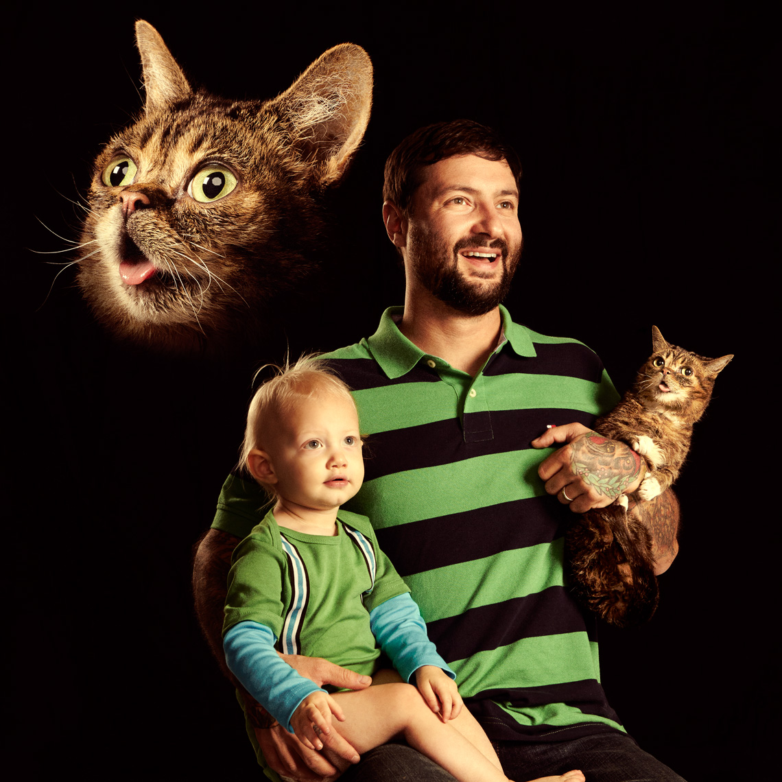 Lil bub awkward family photo